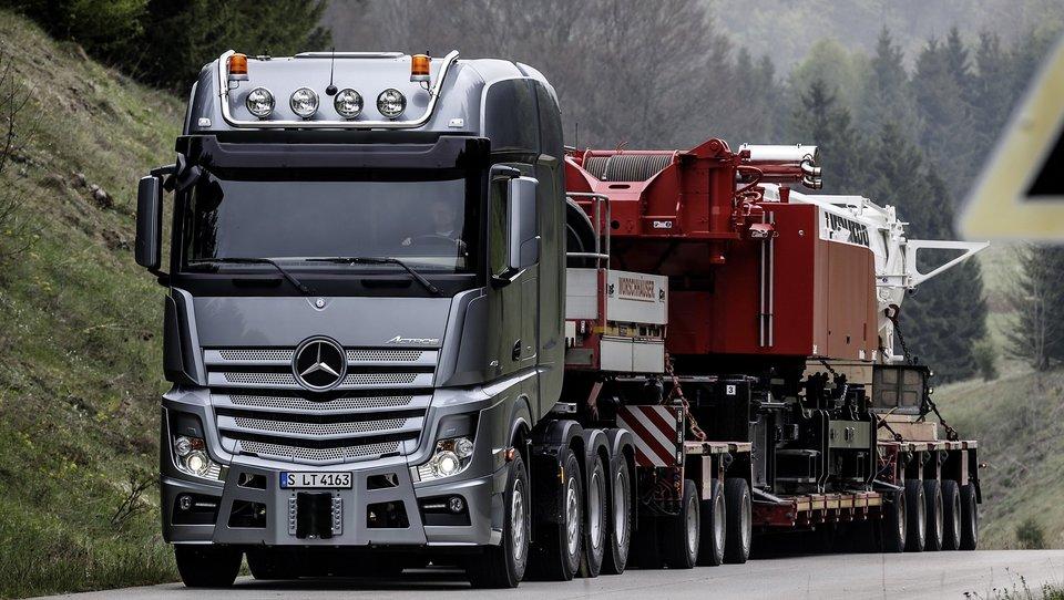 V Sloveniji močno raste prodaja tovornjakov, a kdo jih bo vozil!?