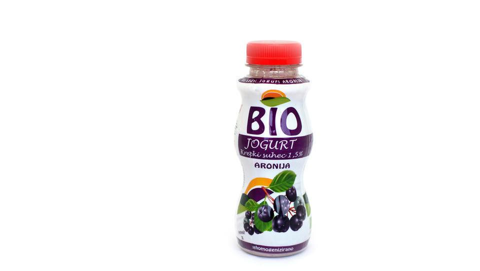 Biojogurt z aronijo združil ekološko mlekarno Krepko in PharmaFruit