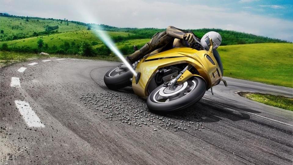 Vsemogočna tehnika, ki motoriste varuje pred padci