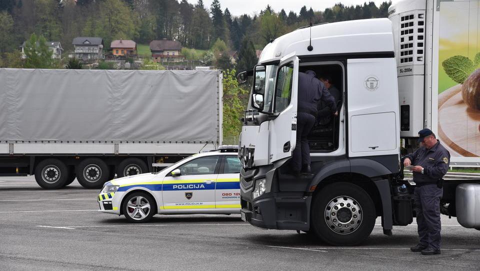 Razkrivamo, kako goljufajo slovenski tovornjakarji