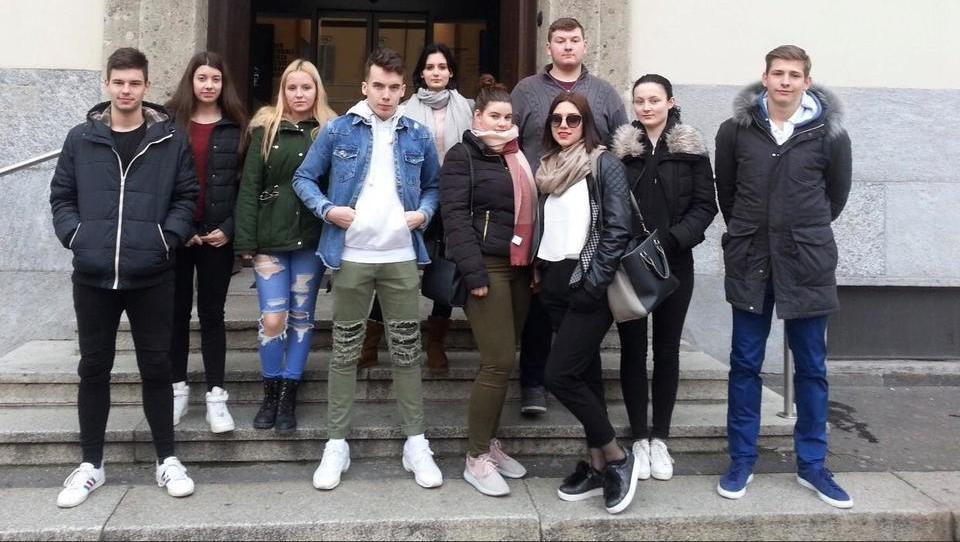 Je 10 dijakov opravilo »finančni test« v Milanu?