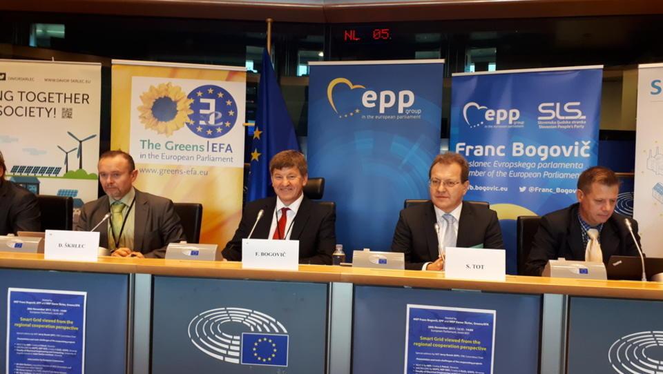 Slovensko-hrvaško sodelovanje predstavili v Evropskem parlamentu