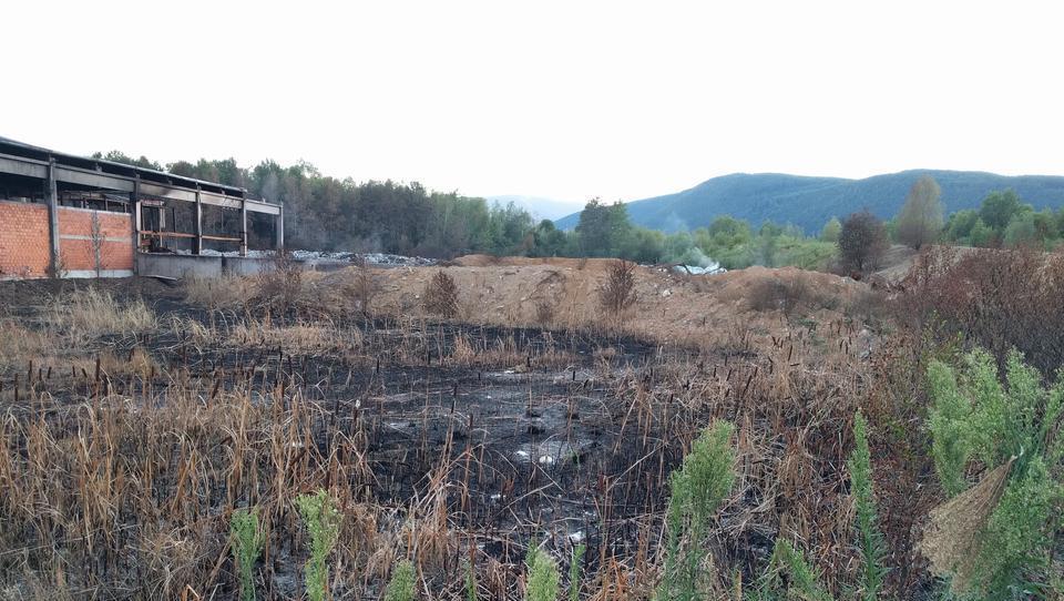 Na pogorišču Ekosistemov v petek spet posredovali gasilci