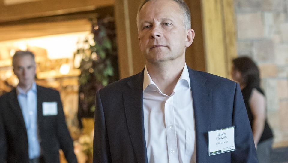 Guvernerju latvijske centralne banke sto tisoč evrov podkupnine