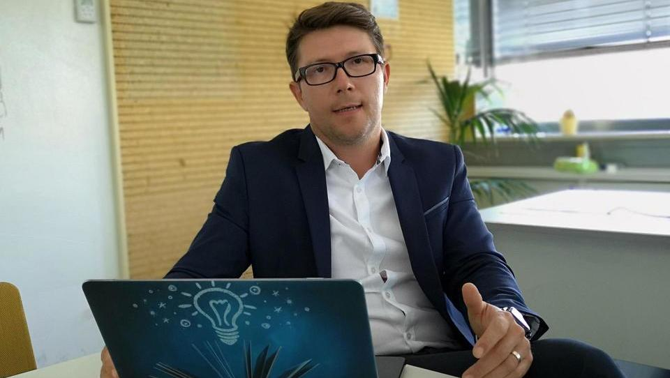 »Z uporabo množičnih podatkov in inovacijami želimo podjetjem pomagati do kakovostnih odločitev«
