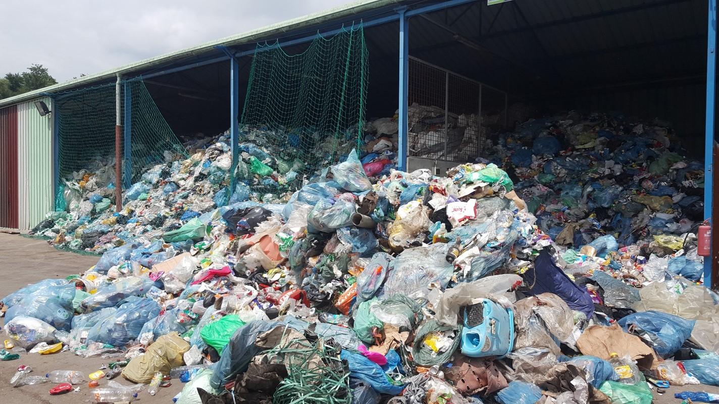 (video) Zavračanje prevzema odpadne embalaže, kot ga še ni bilo