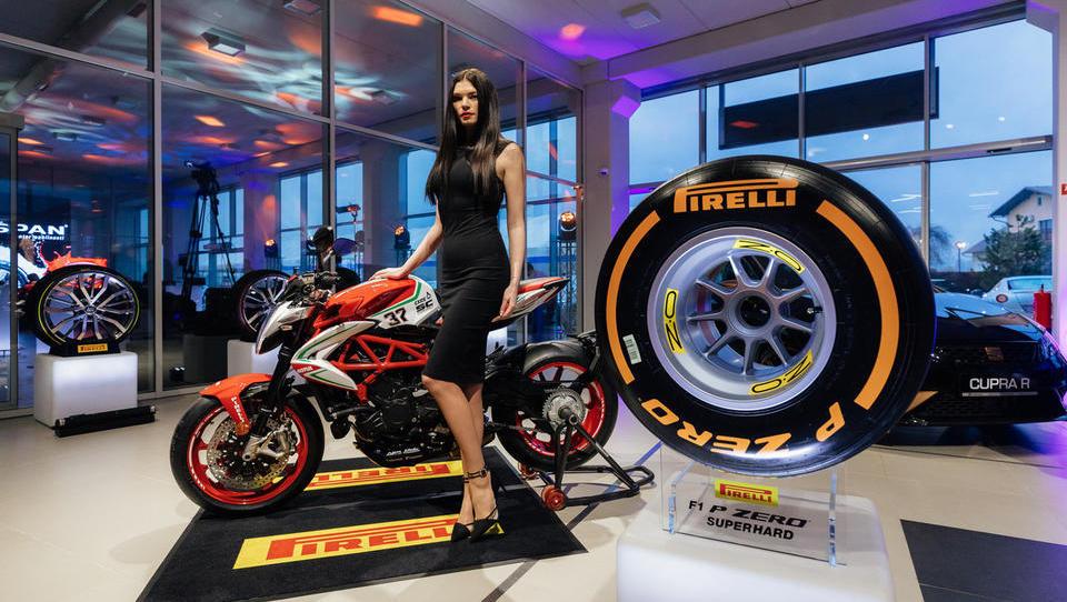 Kdo so letošnji prejemniki ekskluzivnega Pirellijevega koledarja