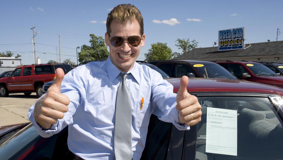 Kupujete rabljen avto? Videno-kupljeno vas lahko stane premoženje.