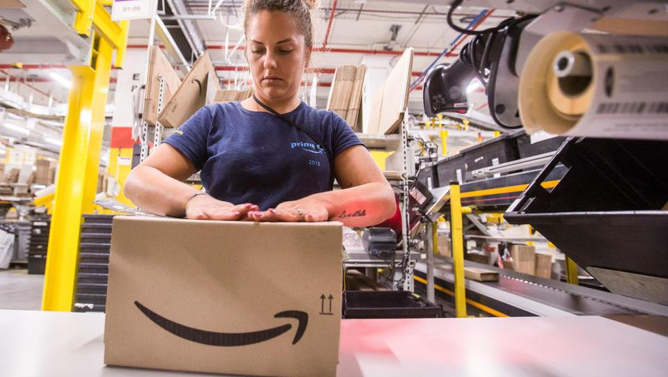 Kdaj bodo slovenska podjetja lahko prodajala na Amazonu Europe in za koga je to lahko priložnost?