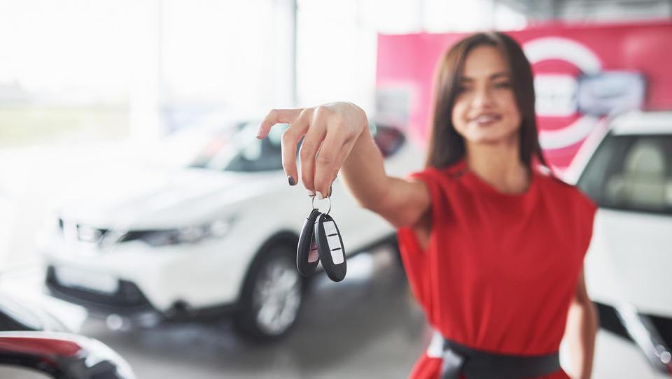 Bilance razkrivajo širok nasmeh prodajalcev avtomobilov