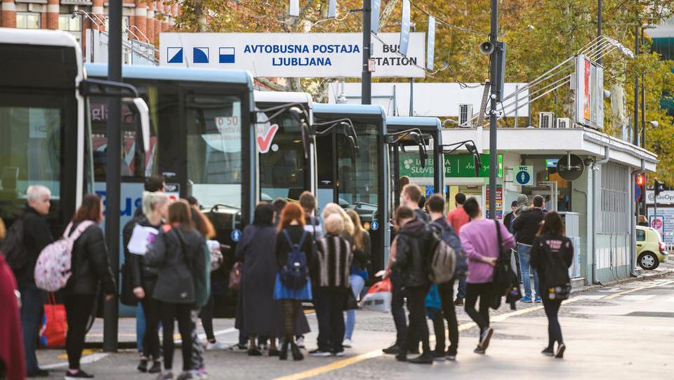 Turisti napolnili slovenske avtobuse, lahko se vam zgodi, da ostanete brez sedeža