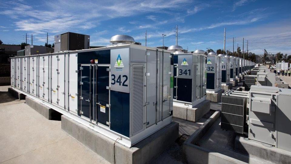 Kaj prinašajo in kaj zmorejo baterijski hranilniki energije