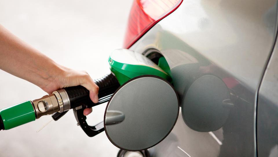 Regulirana 95-oktanski bencin in dizel bosta nekoliko dražja