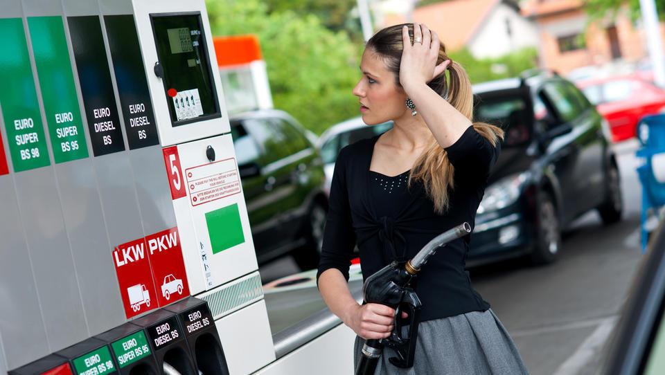 Ministrstvo predlagalo podaljšanje uredbe o oblikovanju cen naftnih derivatov