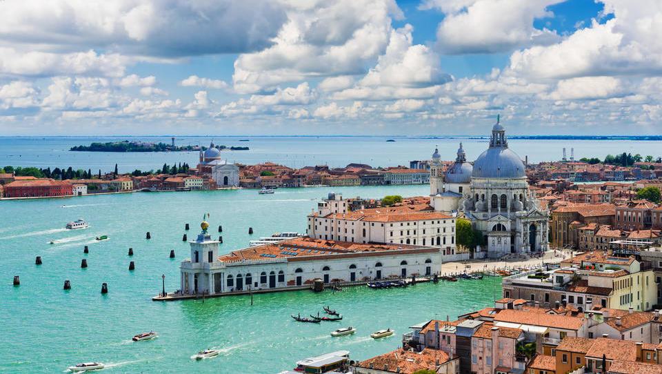 Kako najceneje do letališča v Benetkah?