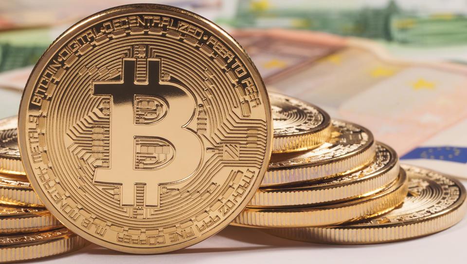 Ste nori, če bitcoin kupujete na avtomatih?