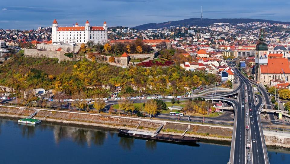 Politico kviz: Ločite med Slovenijo in Slovaško?