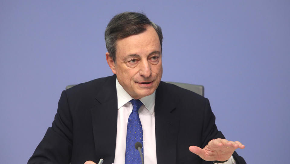 Trenutek resnice: Mario Draghi bo predvidoma nakazal, kdaj bo ECB začela višati obrestne mere