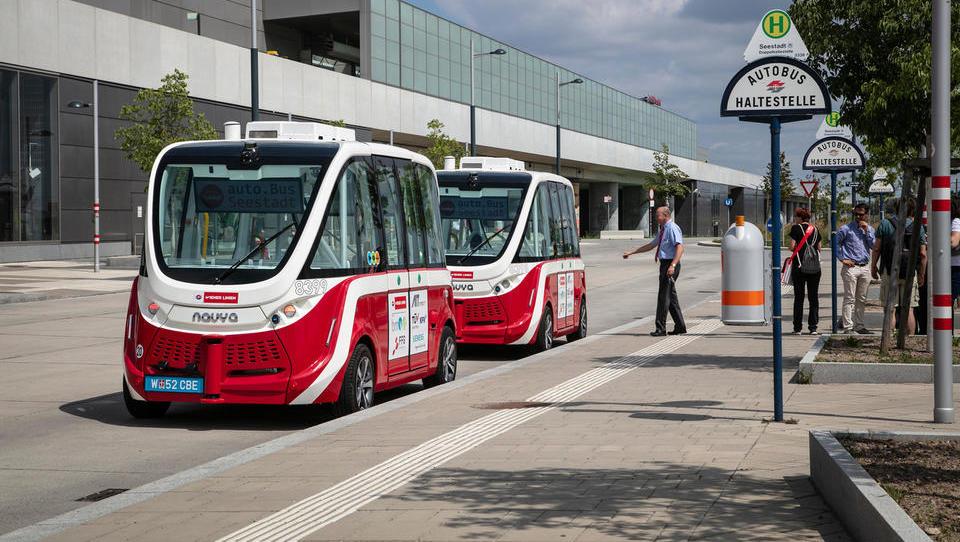 Avstrijci bodo testirali samovozeči minibus, hitrost bo primerljiva...