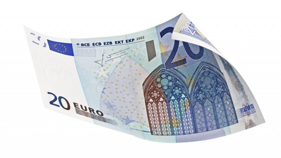 Trgovec, mi zamenjate 20-evrski bankovec v drobiž?