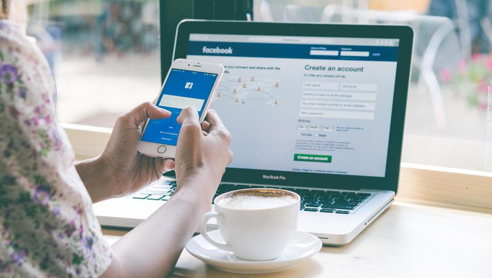 Ali Facebook pravilno zbira dovoljenja za uporabo tehnologije za prepoznavanje obraza?
