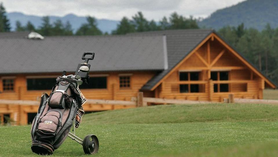 Golfsko igrišče v Smledniku v roke Sberbank
