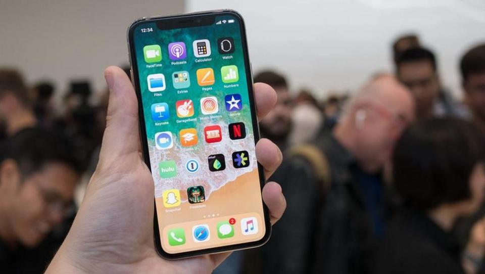 Je jubilejni Apple iPhone X najboljši poslovni telefon?