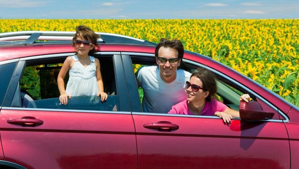 Naj občine: kje vozijo najstarejše, kje najdražje avtomobile
