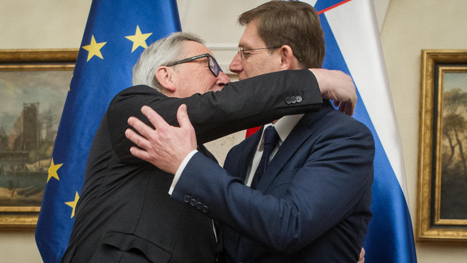 Tako so se Cerarjevi igračkali z NLB: če ne bi bilo današnje seje vlade, bi Bruselj odredil prodajo NLB!