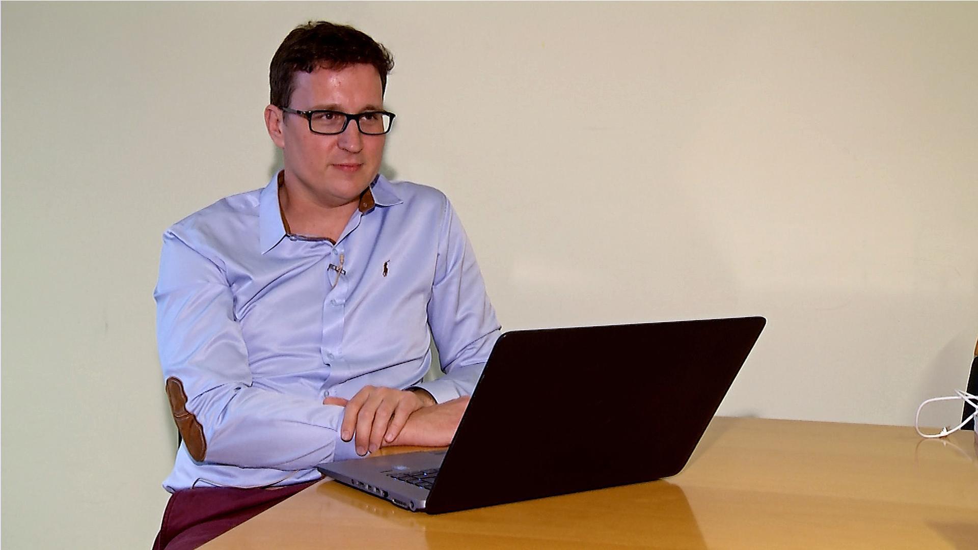 (video) Litijan, ki sooblikuje platformo z umetno inteligenco za milijon študentov