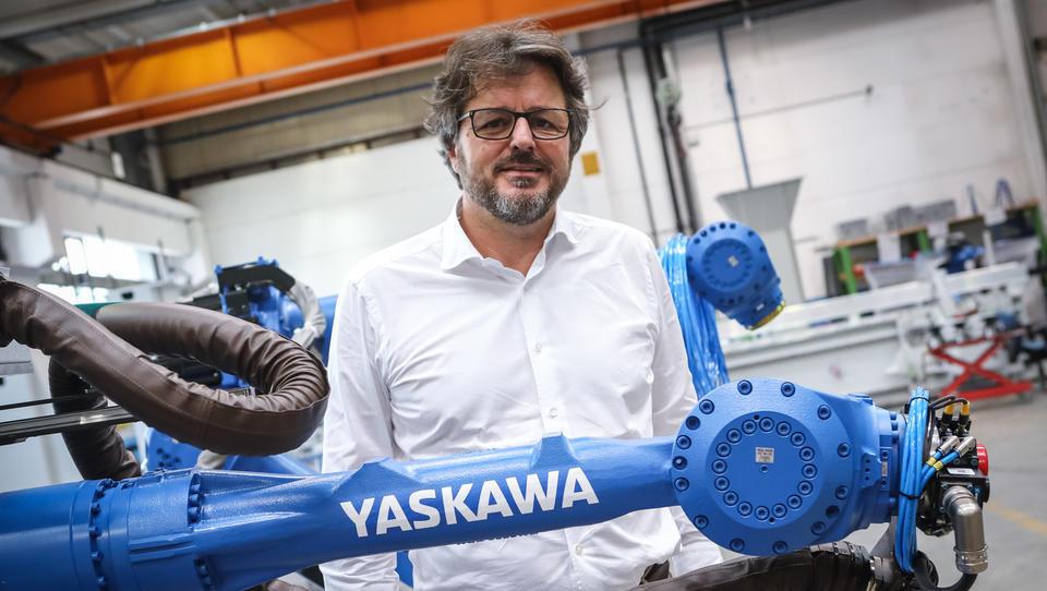 Pri gabaritih so prostorsko postavitev tovarne Yaskawe zmanjšali za več kot polovico