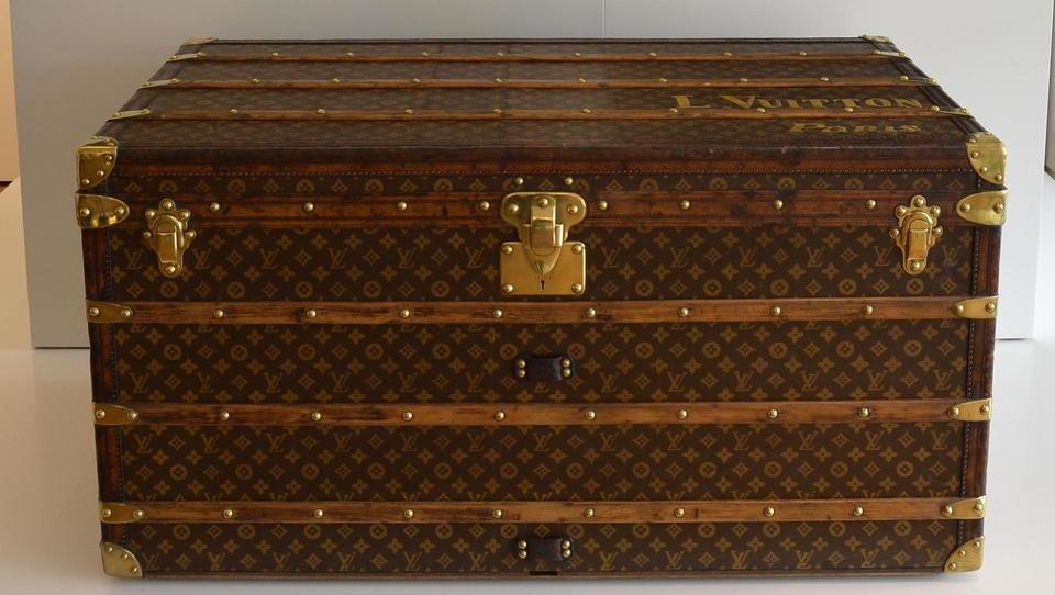 Louis Vuitton in njegov revolucionarni kovček, ki so ga hoteli imeti...