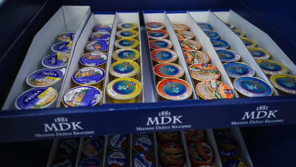 Inšpekcija pregleduje zaprt obrat MDK