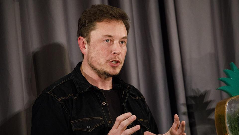 Musk: Tvit o umiku z borze se je splačal