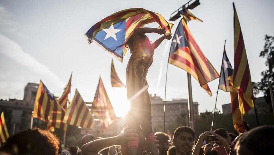 Katalonska zgodba – kakšno poglavje v njej piše Bruselj in kakšne so lahko posledice