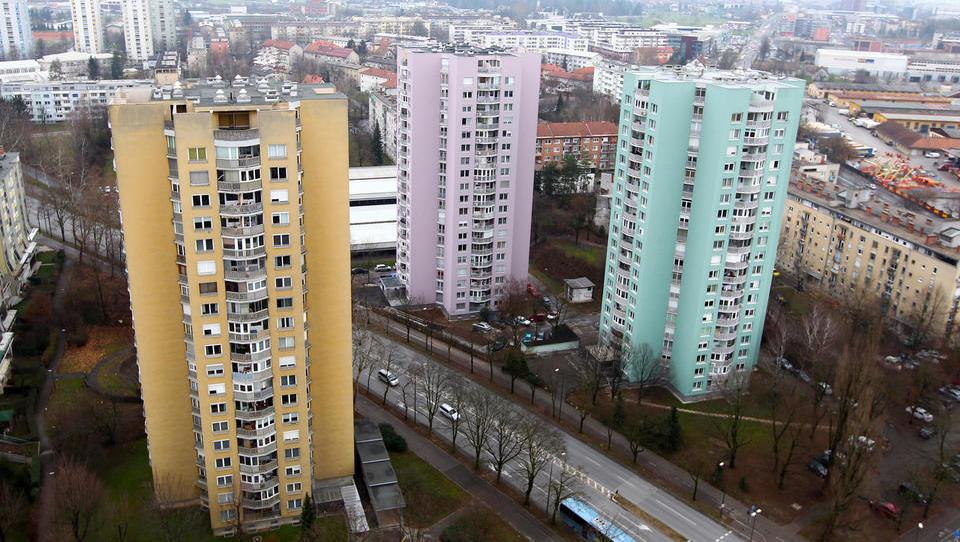 Rabljena stanovanja v Ljubljani: cene rastejo, promet upada