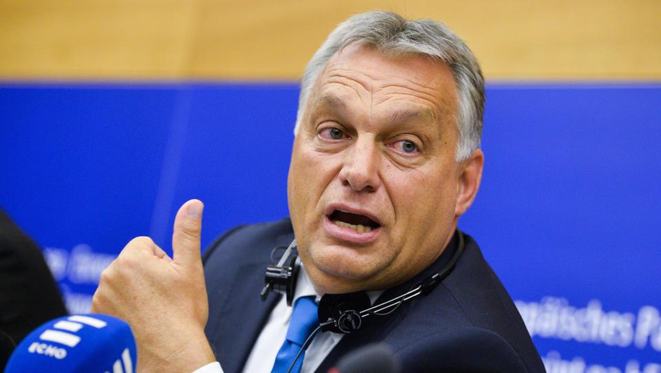 Evroposlanci podprli začetek postopka proti Madžarski