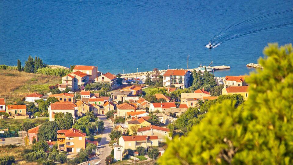 Hitri pregled tedna: Republika Srbska privatizira, Hrvati iščejo vlagatelje za turistični projekt, Italiji pa se obeta modni IPO