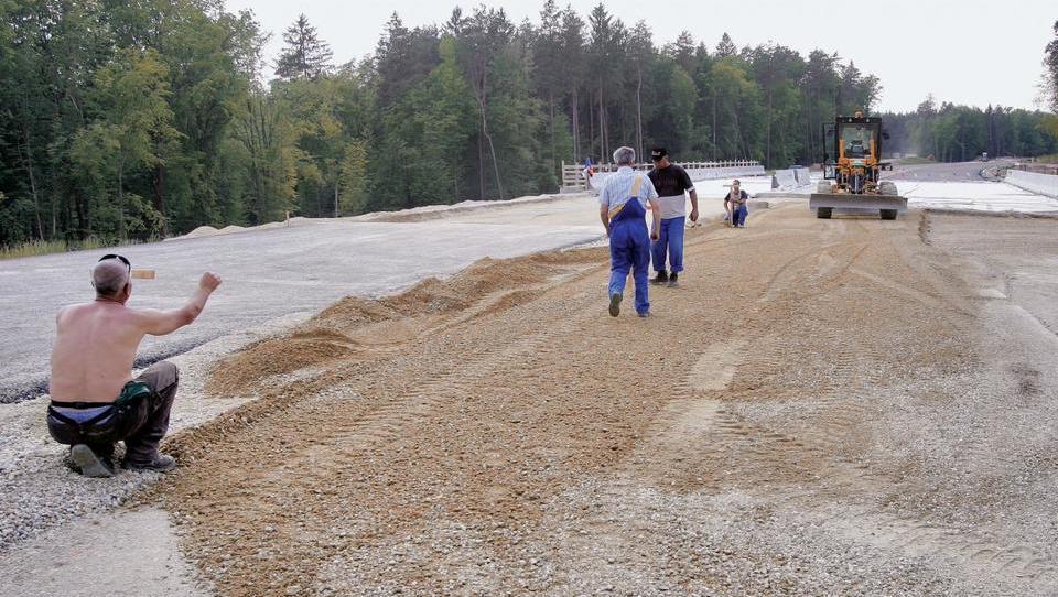 Kilometer dostopnih cest za drugi tir bo stal približno milijon evrov