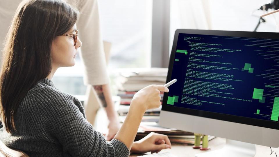 Razkrivamo plače v IT-panogi: najbolje zaslužijo v multinacionalkah