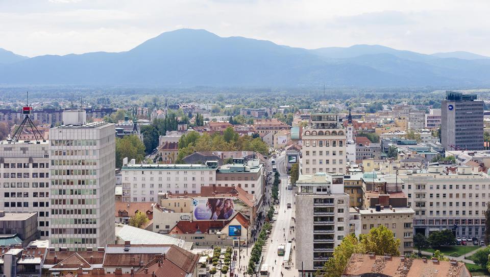 Poslovne nepremičnine v Ljubljani: najemajo se majhne površine pisarn za kratek čas