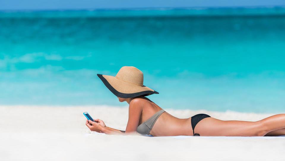 Kateri mobilni paket izbrati, če želite na počitnicah ogromno interneta