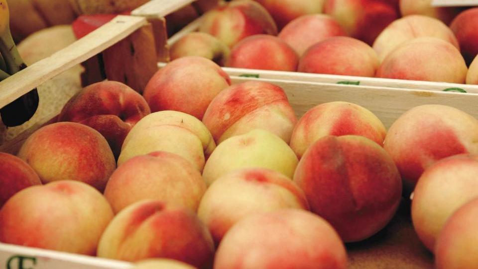 Nasvet: Kaj želijo kupci pred nakupom izvedeti o sadju