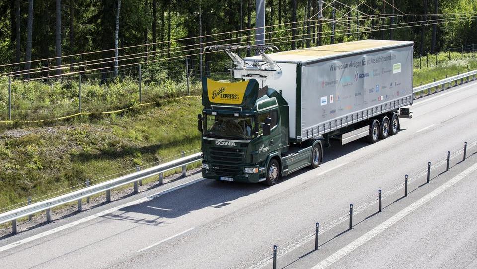 Na Švedskem smo testirali vozilo prihodnosti s pridihom 120 let...