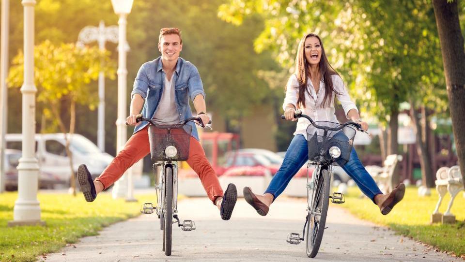 Na kolesu niste več nujno sami