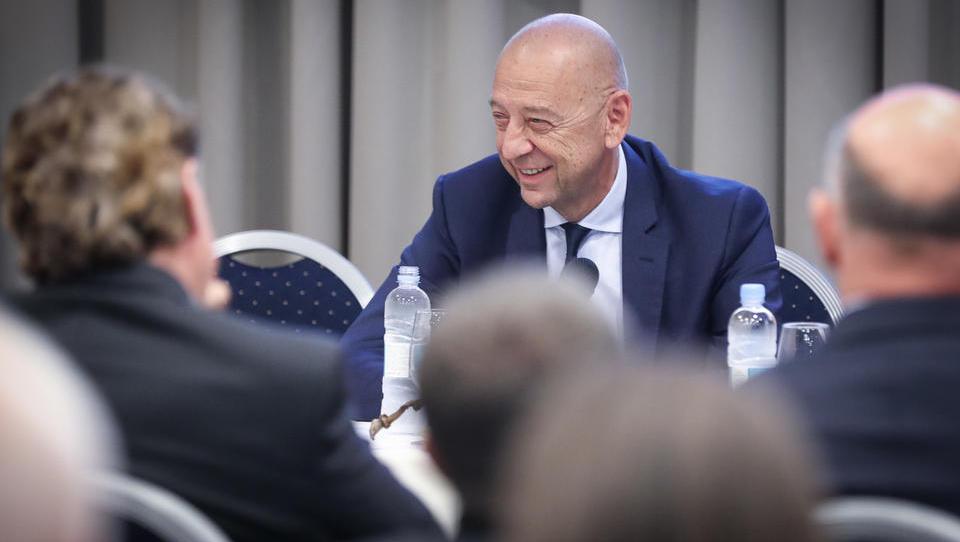 Tibor Šimonka bo poleg šefa Perutnine Ptuj še član uprave SIJ
