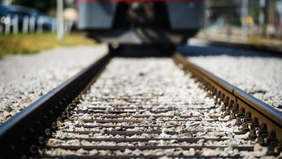 Kadrovniki na indijskih železnicah v akciji: iščejo 89 tisoč novih zaposlenih