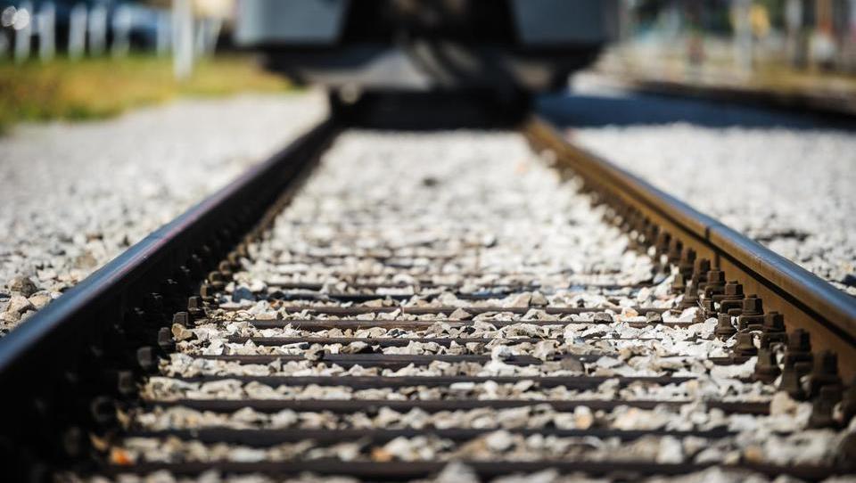 Hrvaška in Srbija ciljata na milijardo evrov evropskega denarja za železnico Zagreb - Beograd