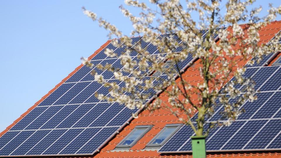 Sončno elektrarno in toplotno črpalko lahko kupite s kriptovaluto