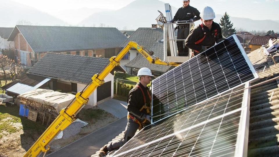 Kdo vse je grešil, da bomo plačali milijardo subvencij za sončne elektrarne